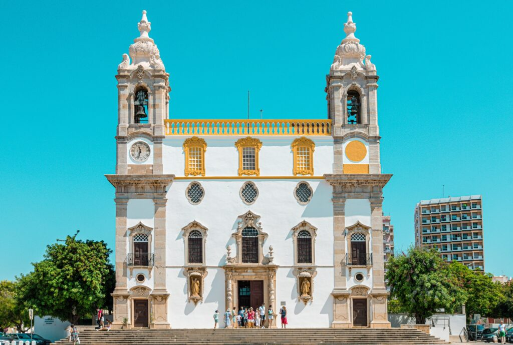 Overnat i Faro og få adgang til hele Algarvekysten!